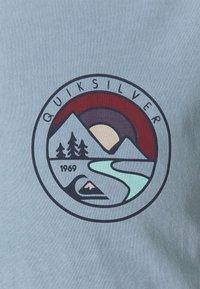 Quiksilver - MOUNTAIN VIEW - Print T-shirt - citadel blue - 2
