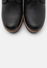 Panama Jack - PHOEBE IGLOO - Šněrovací kotníkové boty - black - 5