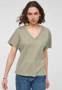 s.Oliver - Basic T-shirt - summer khaki - 0