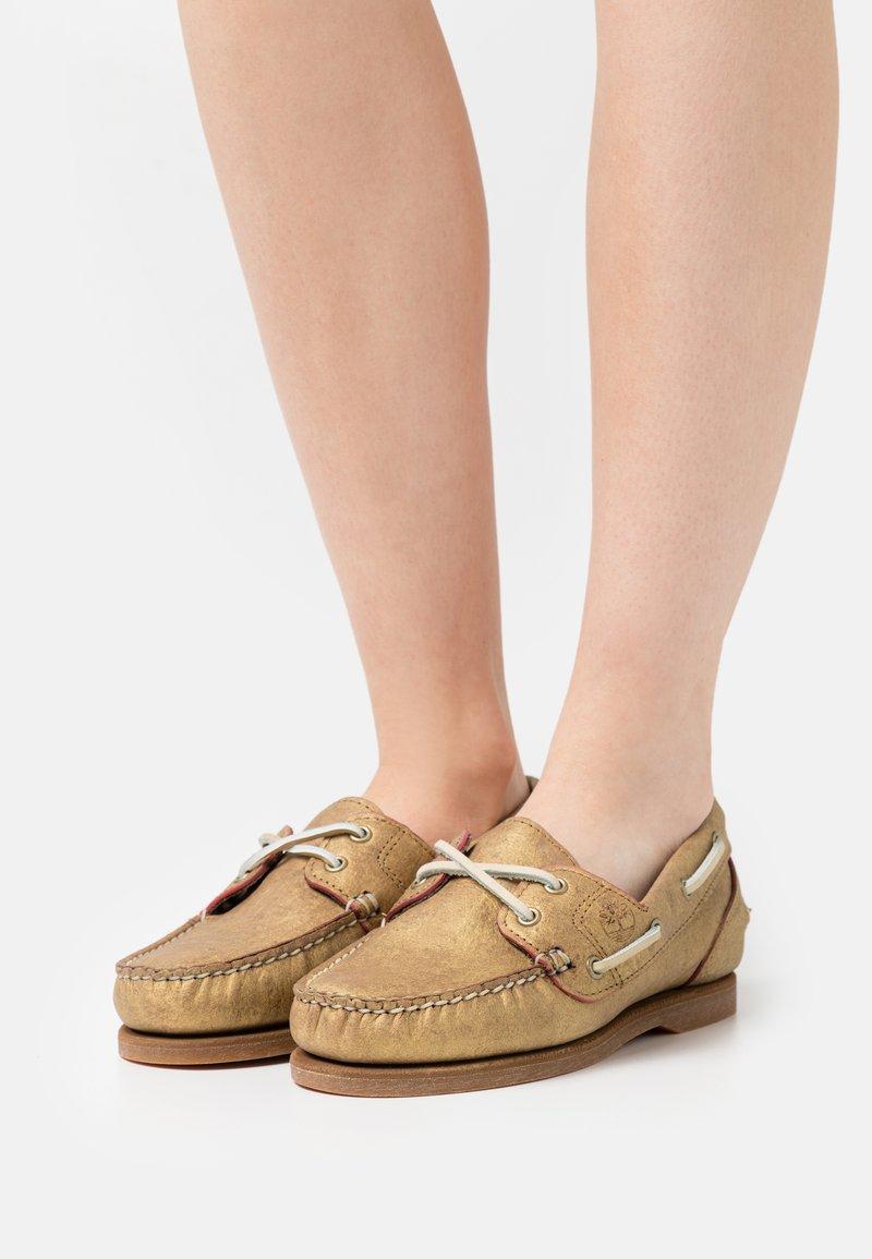 Timberland - CLASSIC 2 EYE - Boat shoes - gold metallic