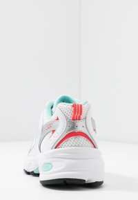 New Balance - MR530 - Sneakers - white - 5