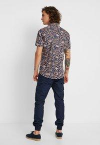 Jack & Jones PREMIUM - JPRKINGSFIELD  - Shirt - medium blue denim - 2