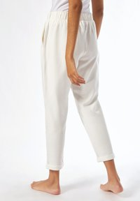 Dorothy Perkins - Tracksuit bottoms - white - 2