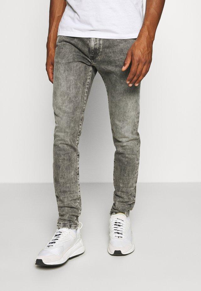 D-STRUKT - Slim fit jeans - grey