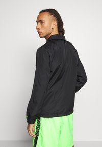 New Era - COACHES JACKET - Verryttelytakki - black - 2