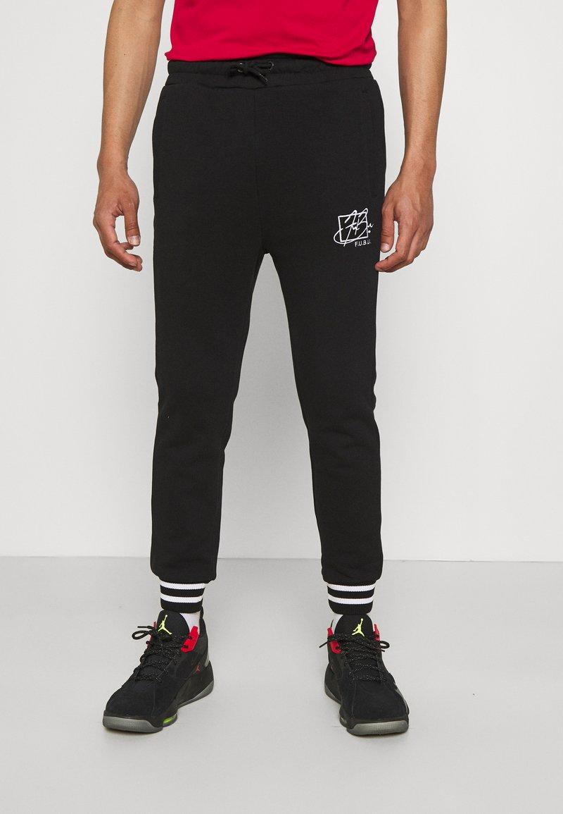 FUBU - SCRIPT - Pantaloni sportivi - black