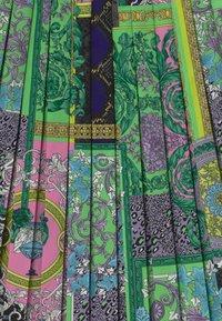 Versace - PATCHWORK HERITAGE ANIMALIER - Pleated skirt - multicolor - 2