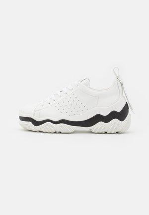 Zapatillas - bianco/nude/nero