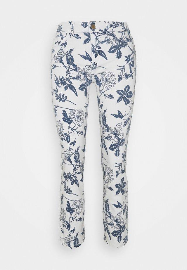 MARA MID RISE INSTASCULPT ANKLE - Slim fit jeans - white