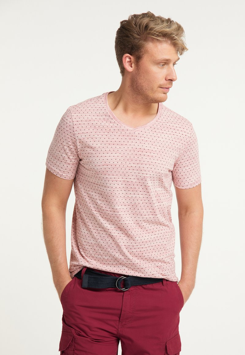 Petrol Industries - T-shirt med print - fire red