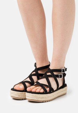 AMELIE - Sandály na platformě - black