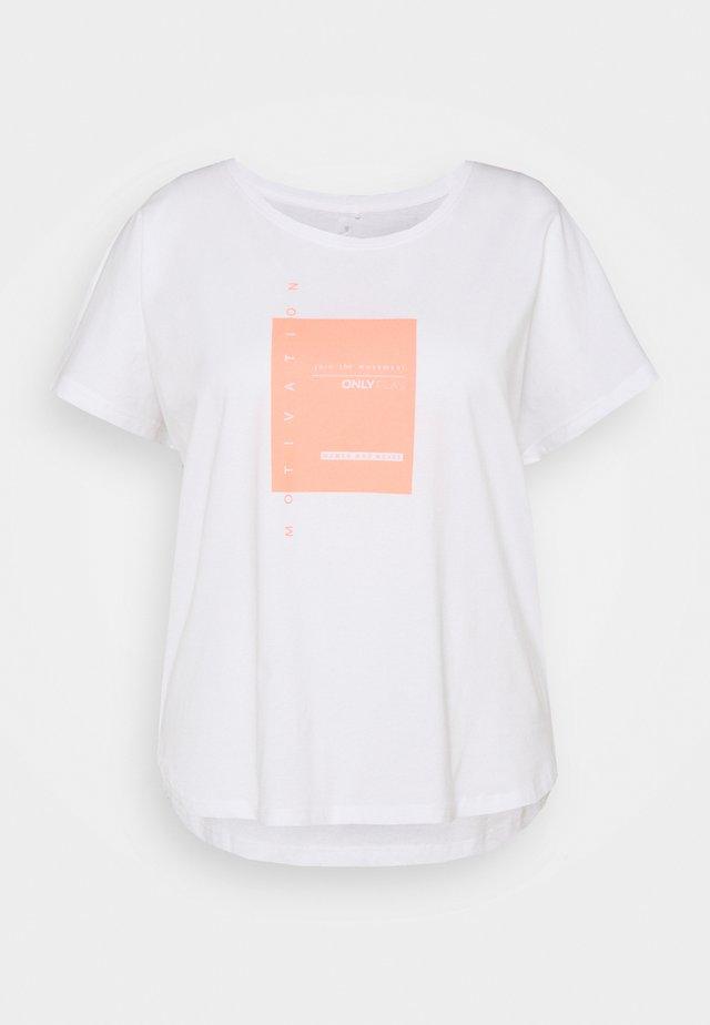 ONPMAGNY LIFE LOOSE SLIT - T-shirt med print - white with neon orange