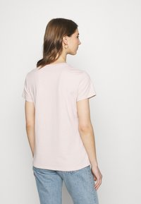 Levi's® - THE PERFECT TEE - T-shirt con stampa - pink - 2