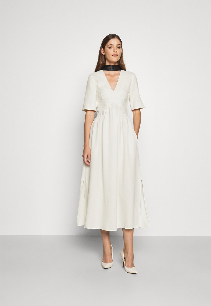 Victoria Victoria Beckham - TIE NECK DRESS - Sukienka koktajlowa - daisy white
