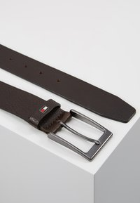 Tommy Hilfiger - LAYTON PEBBLE - Belt - brown - 2
