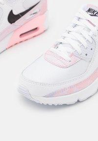 Nike Sportswear - AIR MAX 90 UNISEX - Sneakers laag - white/black/arctic punch - 5