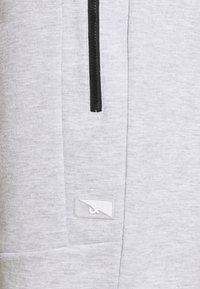 Jack & Jones - JJIAIR - Sportovní kraťasy - light grey melange - 5