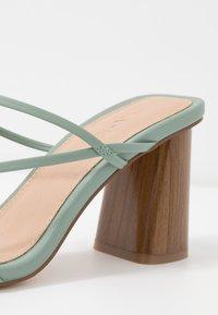 NA-KD - FINE STRAPPY BLOCK HEEL  - T-bar sandals - pastel green - 2