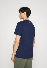 Lacoste - Print T-shirt - scille - 2