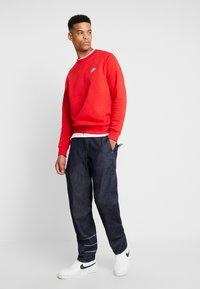 Nike Sportswear - CLUB - Sweatshirt - university red/white - 1
