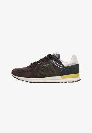 TINKER PRO EDT - Volnočasové šněrovací boty - marrón oscuro
