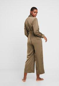 Chalmers - BROOKE JUMPSUIT - Pyjamas - military - 2