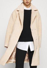 Selected Femme Petite - SLFNEW NANNA TEDDY JACKET  - Classic coat - sandshell - 6