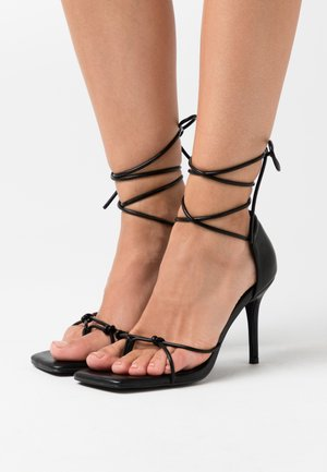 CHLOEB x NA-KD Square Front Sandal - High heeled sandals - black