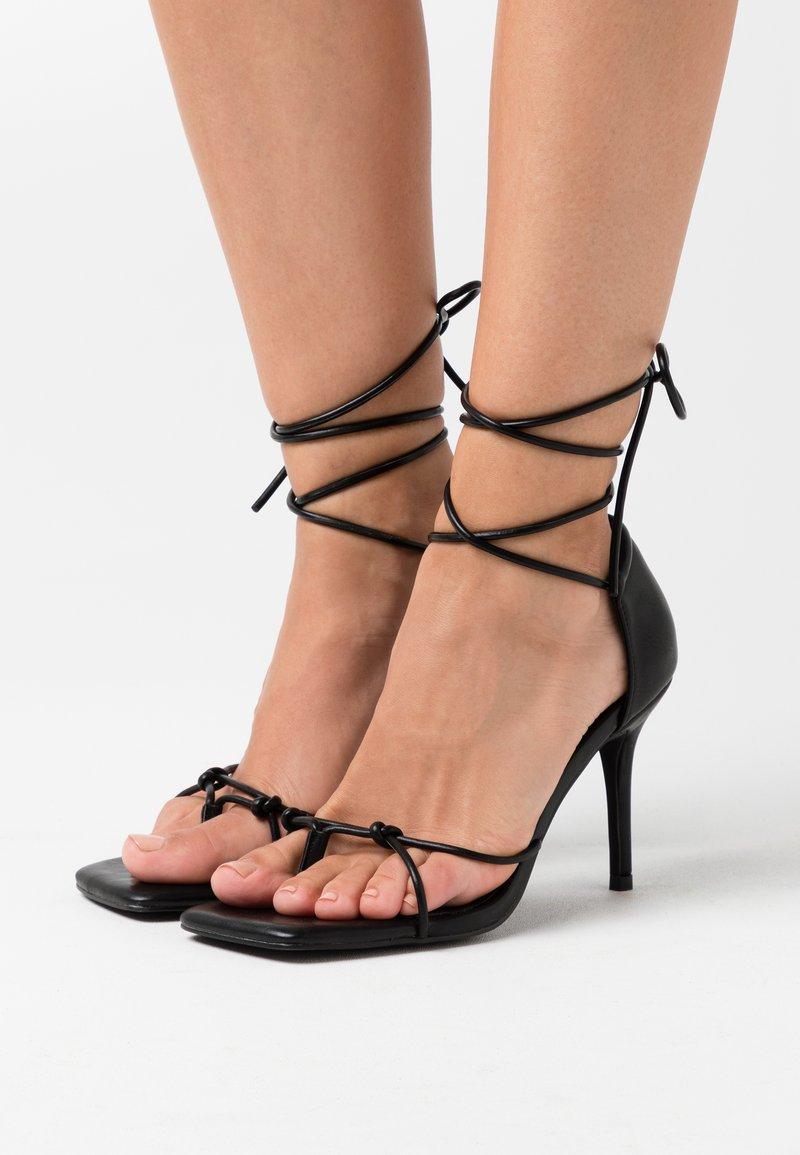 NA-KD - CHLOEB x NA-KD Square Front Sandal - Sandales à talons hauts - black
