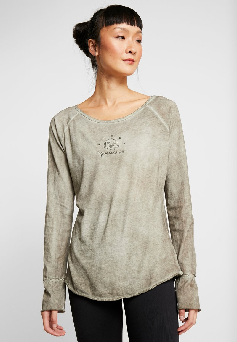 Yogasearcher - KARANI - Long sleeved top - grey