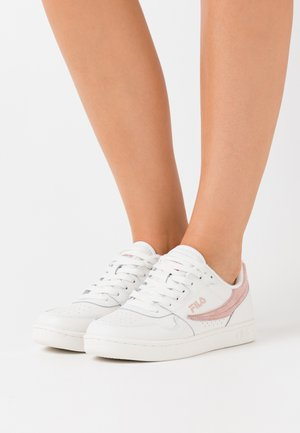 ARCADE - Trainers - white/sepia rose