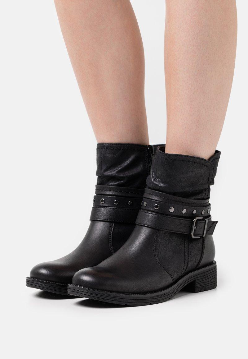 Jana - Cowboy/biker ankle boot - black