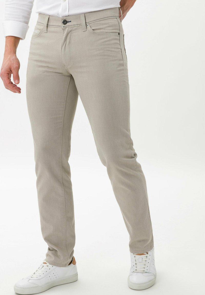 BRAX - STYLE CADIZ SQ - Pantalon classique - beige