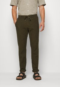 Lindbergh - PANTS - Trousers - army - 0