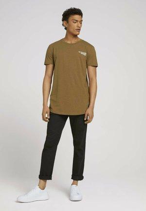 Basic T-shirt - deep cognac melange