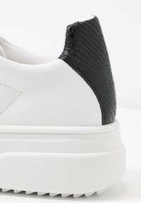 Topshop - CANADA LACE UP TRAINER - Trainers - monochrome - 2