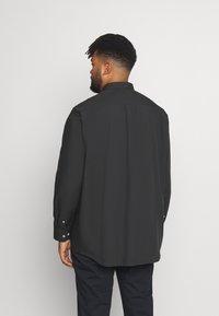 Jack´s Sportswear - FIL A FIL SHIRT BOX COMFORT FIT - Skjorta - dark grey - 2