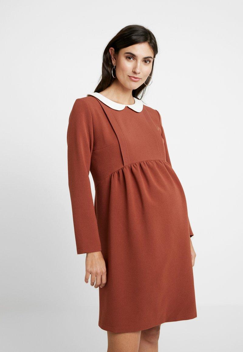 Paula Janz Maternity - DRESS BOSSA NOVA NURSING - Denní šaty - cayenne