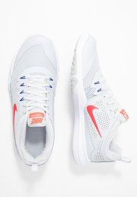 Nike Performance - LEGEND TRAINER - Træningssko - pure platinum/red orbit/racer blue - 1