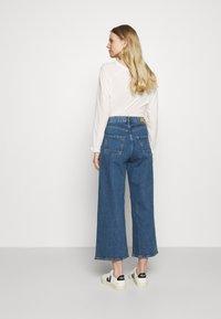 Esprit - NEW WIDE LEG - Flared Jeans - blue medium wash - 2