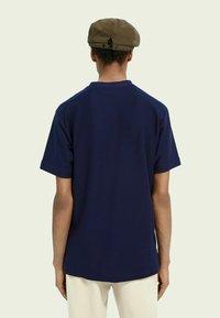 Scotch & Soda - TWILL STRUCTURED - Print T-shirt - midnight - 2