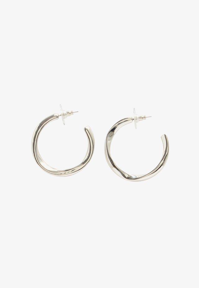 Earrings - nickel