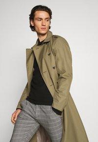 Gabba - PISA PETIT CHECK - Trousers - brown - 4