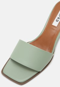 NA-KD - BASIC BLOCK HEELED MULES - Heeled mules - dusty green - 7