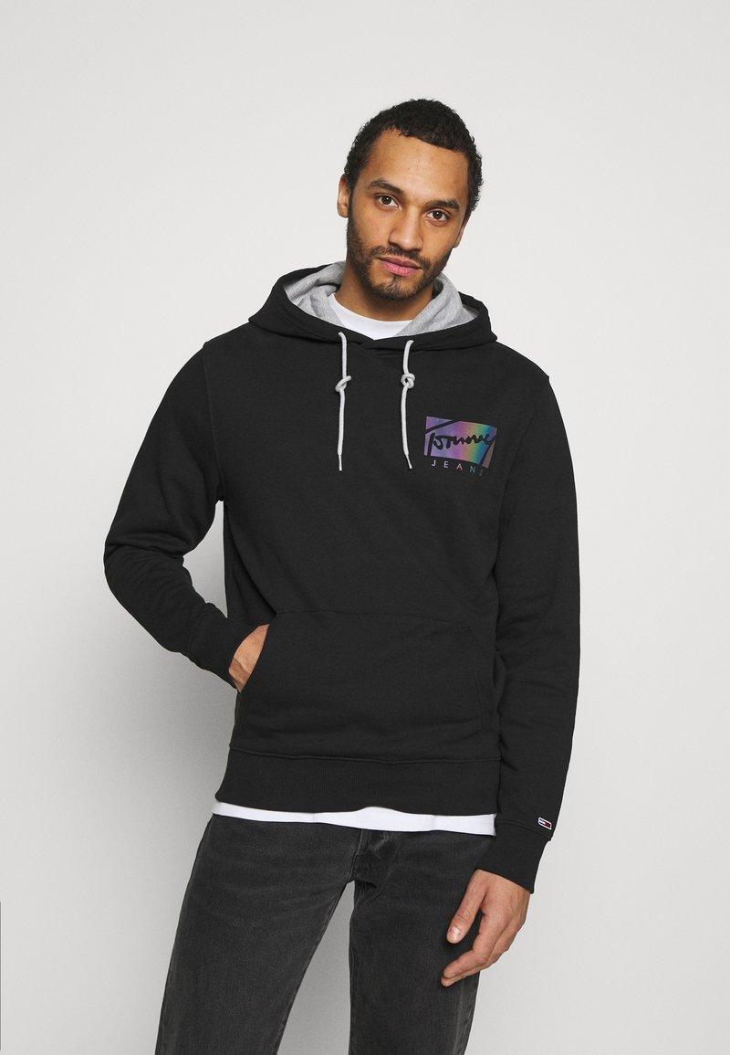 Tommy Jeans - ESSENTIAL HOODIE UNISEX - Sweatshirt - black