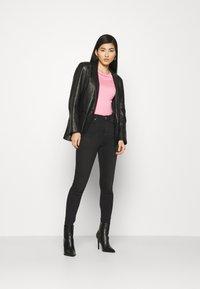 Marks & Spencer London - CARRIE  - Jeans Skinny Fit - black denim - 1