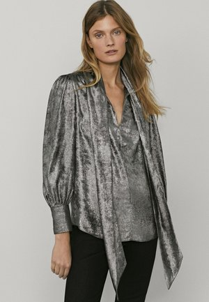 MIT SCHLEIFENDETAIL - Button-down blouse - silver