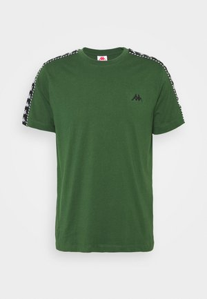 ILYAS - T-shirt med print - greener pasters
