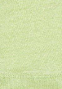 Scotch & Soda - CLASSIC TEE WITH V NECKLINE - Basic T-shirt - seaweed - 2
