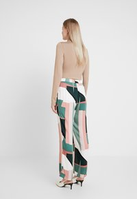 Culture - CURIGMOR PANTS - Bukse - pine grove - 2